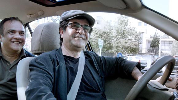 LE MAG – Taxi Téhéran : véhicule du portrait de la société iranienne